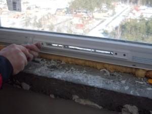 Установка вентиляционных клапанов на пластиковые окна