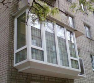 Французский балкон. Остекление до пола.