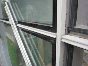 Замена стеклопакетов в алюминиевых окнах
