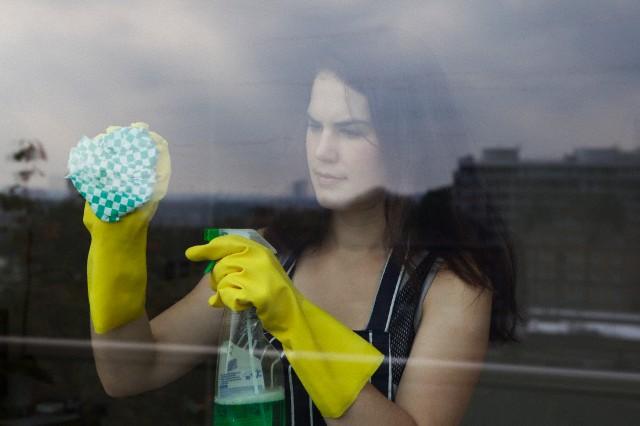 9 способов вымыть окна без разводов, полезные советы