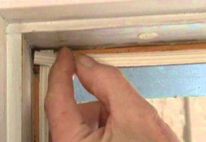 Уплотнитель для деревянных дверей