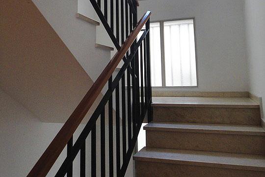 Окна на лестнице