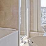 Как установить ванну на балконе или лоджии?